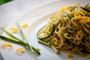 Linguine mit Zucchini und Zitronensauce