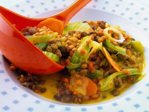 Linseneintopf mit dreierlei Linsen und Gemüse