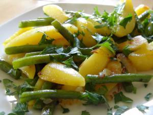 Kartoffeln mit Bohnen