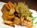 Fritierter-Tofu-mit-Gemuesen-in-Teriyaki-Sauce