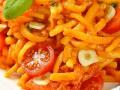 Spätzle mit Knoblauch Tomatensauce