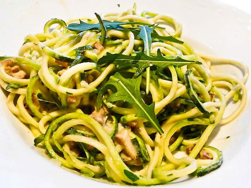 Zucchini rezept alla carbonara einfach schnell gesund vegan for Mittagsgerichte schnell