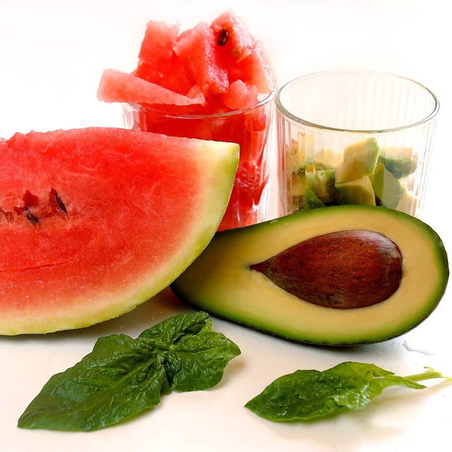 spinat avocado salat mit wassermelone einfach schnell. Black Bedroom Furniture Sets. Home Design Ideas